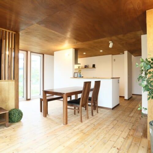 300坪の敷地で 暮らしを愉しむ平屋の家