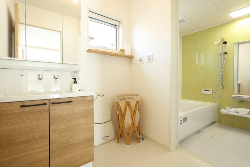 洗面脱衣所、バスルーム